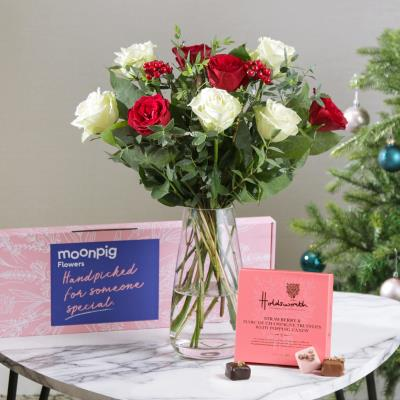 The Letterbox Christmas Roses Gift Set