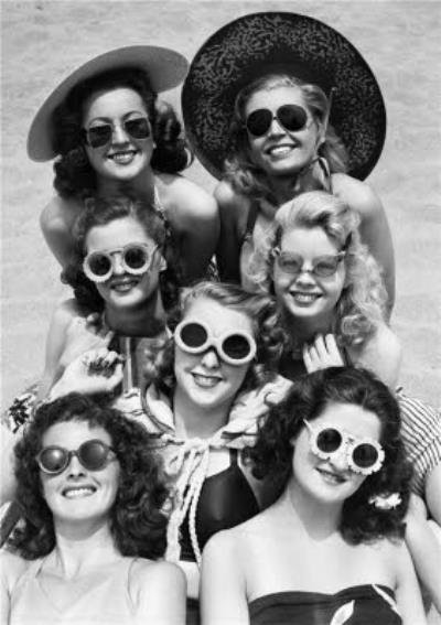 Retro Photographic Birthday Card - California - America - Beach friends - Ladies In Sunglasses -