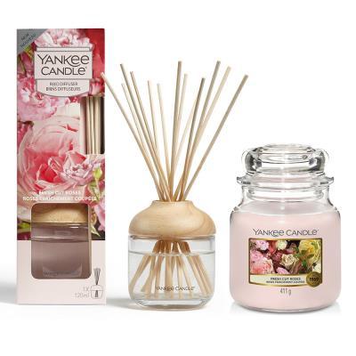 Yankee Candle & Diffuser Fresh Cut Roses Gift Set