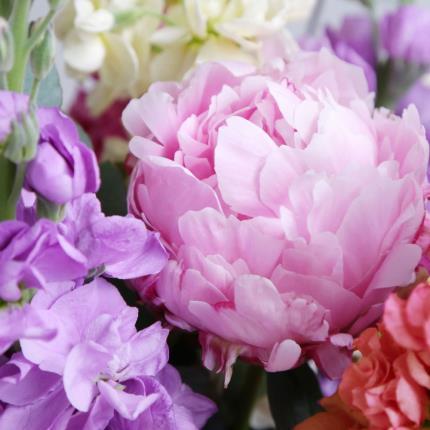 Flowers - Chelsea - Image 4