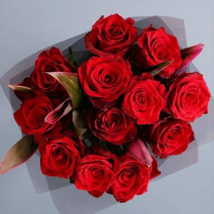 Flowers - 12 Ecuadorian Red Roses - Image 2