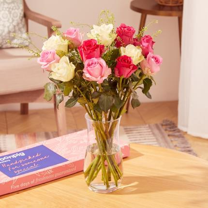 Flowers - The Letterbox Fairtrade Roses - Image 2
