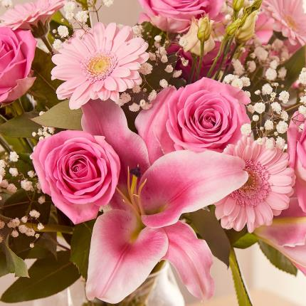 Flowers - The Luxury Mother's Day - Image 4