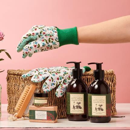 Beauty - Gardeners Beauty Gift Basket - Image 1