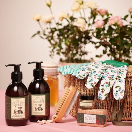 Beauty - Gardeners Beauty Gift Basket - Image 2