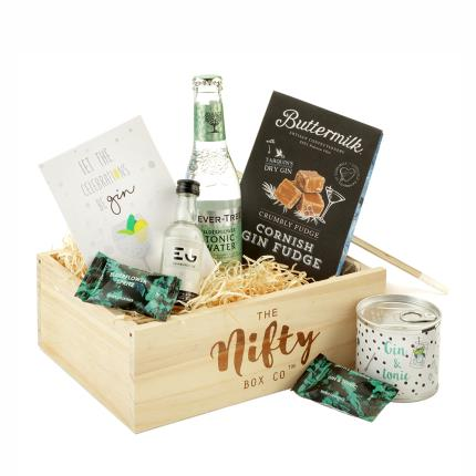 Gift Boxes - Gin Lovers Alcohol Gift Set - Image 1