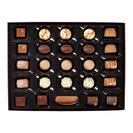 Food Gifts - Thorntons Continental Chocolate Box 284g - Image 3
