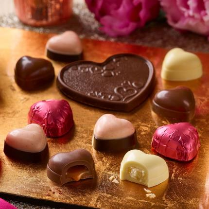 Food Gifts - Thorntons Chocolate Hearts Collection Gift Box - Image 2