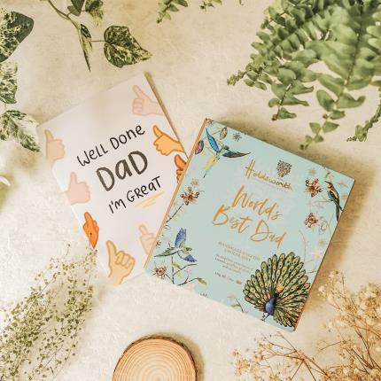 Food Gifts - Holdsworth 'World's Best Dad' Assorted Chocolates - Image 3
