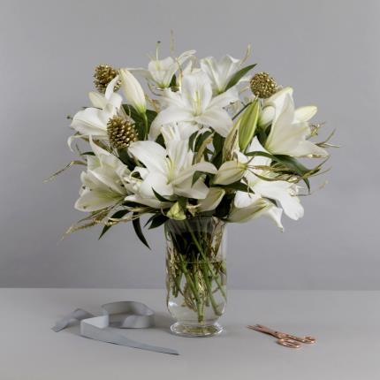 Plants - The Luxury Christmas Lilies - Image 2