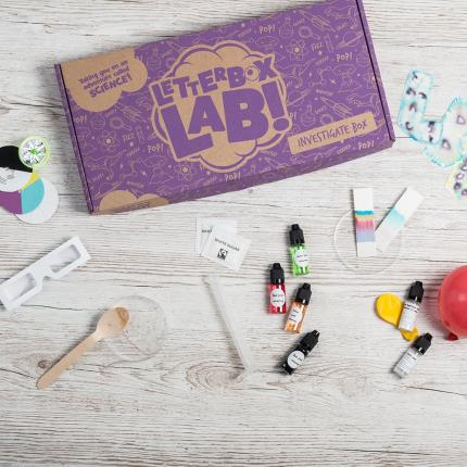 Letterbox Gifts - Letterbox Lab Marvellous Mixtures Science Experiments Box - Image 1