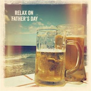 Greeting Cards - Beers By The Sea Personalised Happy Father's Day Card - Image 1