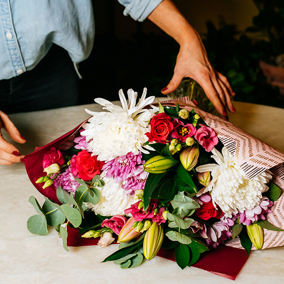 How to wrap your Mothers Day flowers